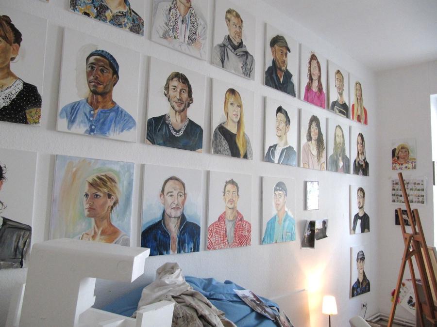 """atelieransicht mit der """"katerfamilie"""" von henrieke ribbe, 2014"""