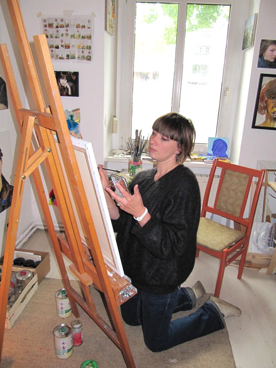 henrieke ribbe malt mich in ihrem atelier, 2014