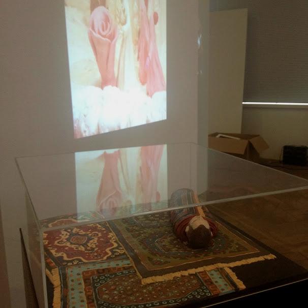 niggi im teppich im gewerbemuseum winterthur