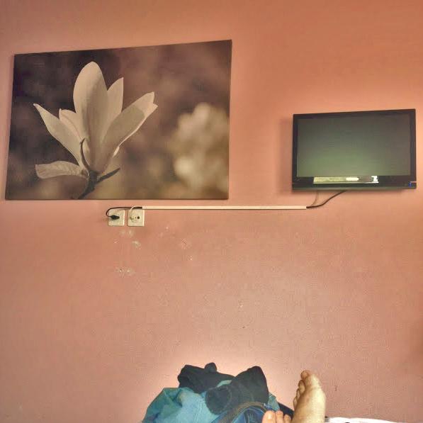 hotel loge, winterthur: wanddekoration und meine füsse