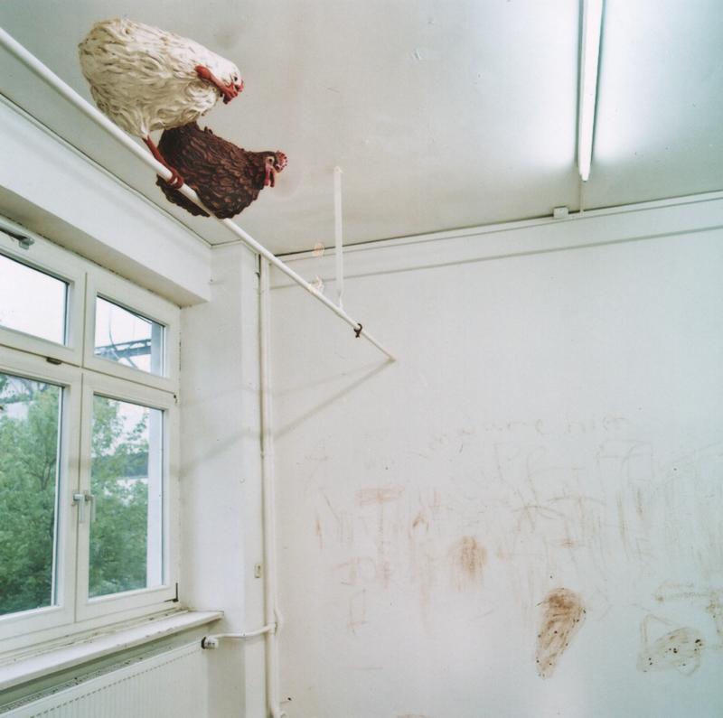 """Schön, total schön, 2000. (Detail) Ausstellung """"Vorkultur"""", KX auf Kampnagel, Hamburg"""