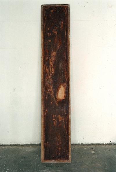 O.T. 1993, tischlerplatte, leinen und schokolade (nach beleckung des atelierhundes)